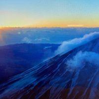 富士山上空からの初日の出
